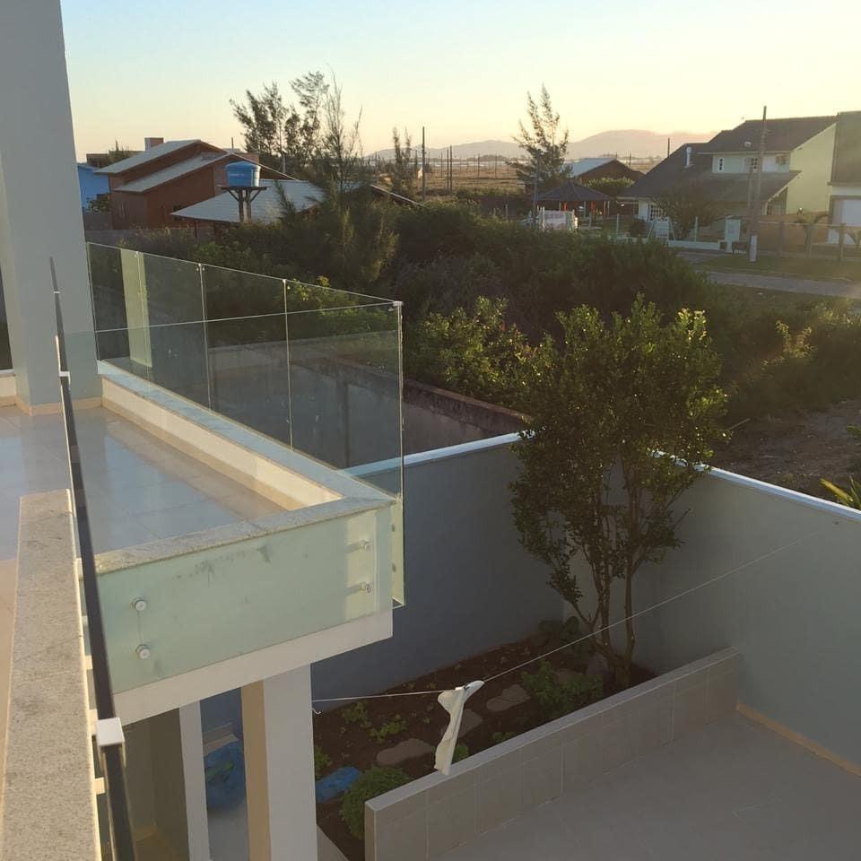 casa com 2 andares, praia de itapirubä, imbituba.