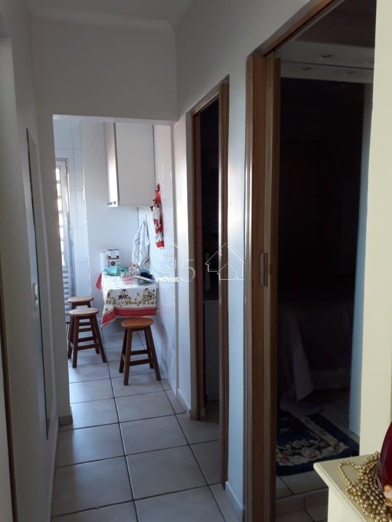 casa com 2 dorm sala/ cozinha/ banheiro quintal au 80m bairro tranquilo próximo a comercio, escolas, ônibus, mercado 2 vagas - ca00199 - 33554671