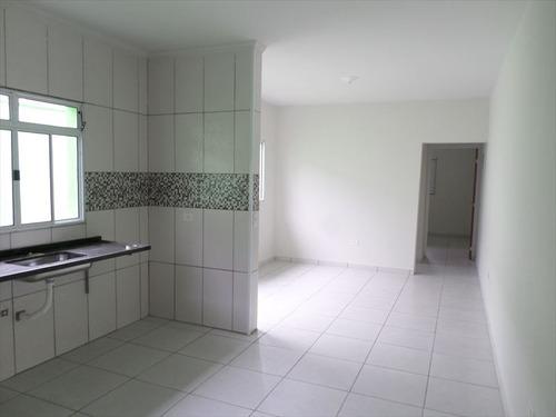 casa com 2 dormitórios a venda em mongaguá.