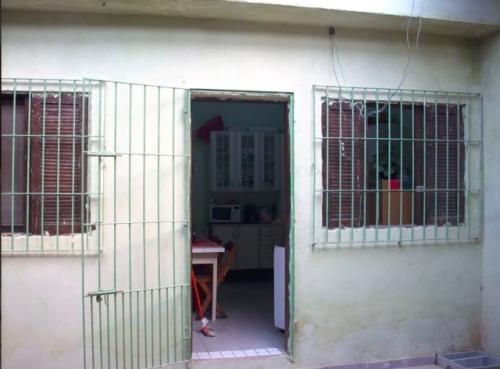 casa com 2 dormitórios em peruíbe, litoral sul de sp! 5098/p