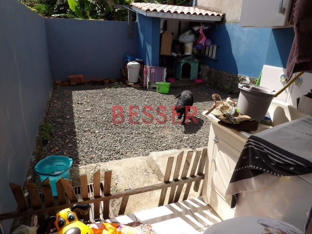 casa com 2 dormitorios em sapucaia - v-482