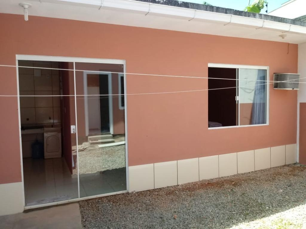 casa com 2 dormitórios -forquilhas - são josé/sc - ca1916