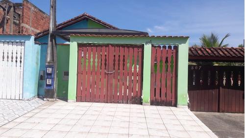 casa com 2 quartos em itanhaem  rua calçada