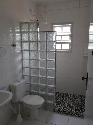 casa com 2 quartos na praia, 420 metros, com escritura!
