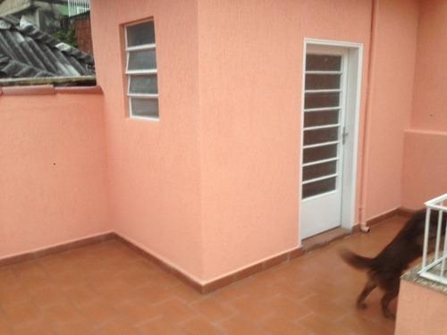 casa com 2 quartos, quintal e 1 vaga r$ 290 mil