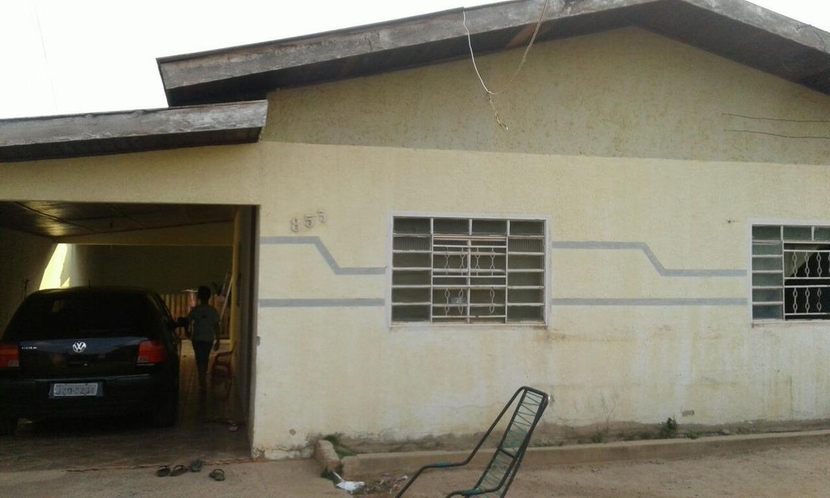 casa com 2 quartos sala,cozinha, área, garagem,lavanderia