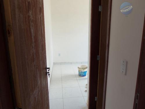 casa com 2 quartos, sendo um suíte, pronta para morar, acabamento de primeira, em nova esperança - ca0008