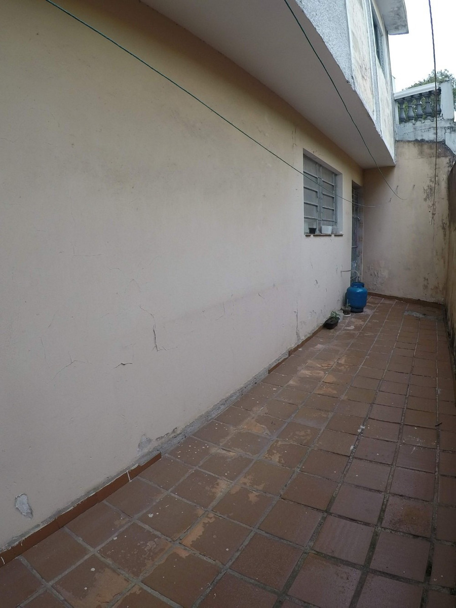 casa com 3 dormitórios, 3 banheiros, garagem, próxima centro