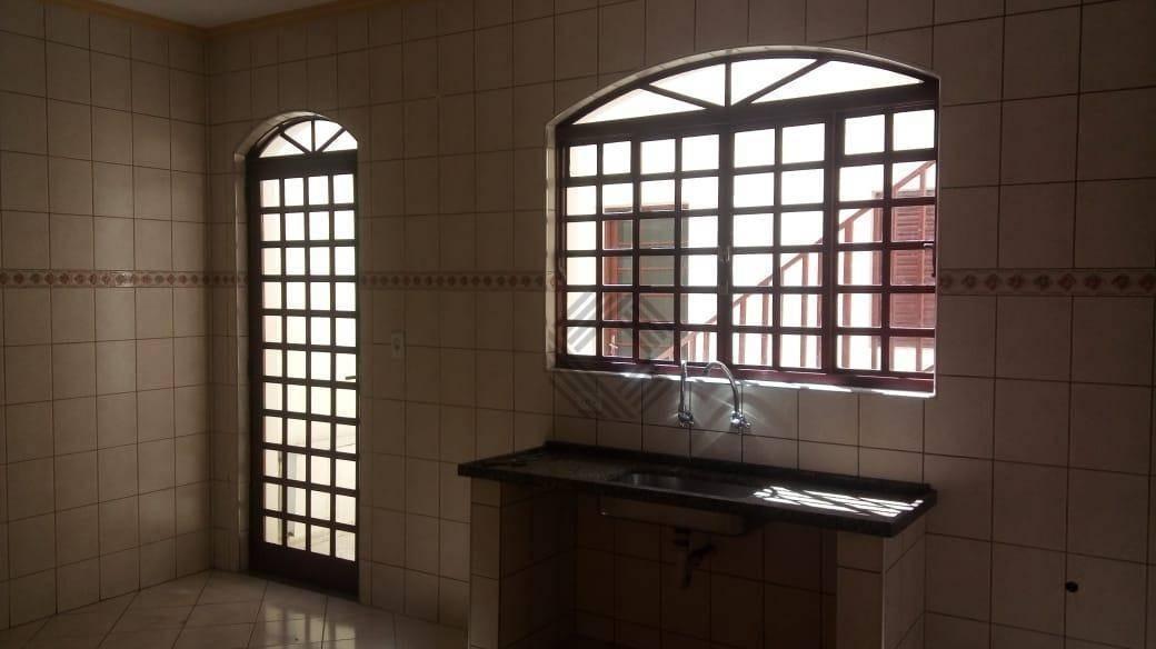 casa com 3 dormitórios para alugar, 171 m² por r$ 1.300/mês - jardim altos do itavuvu - sorocaba/sp - ca6722