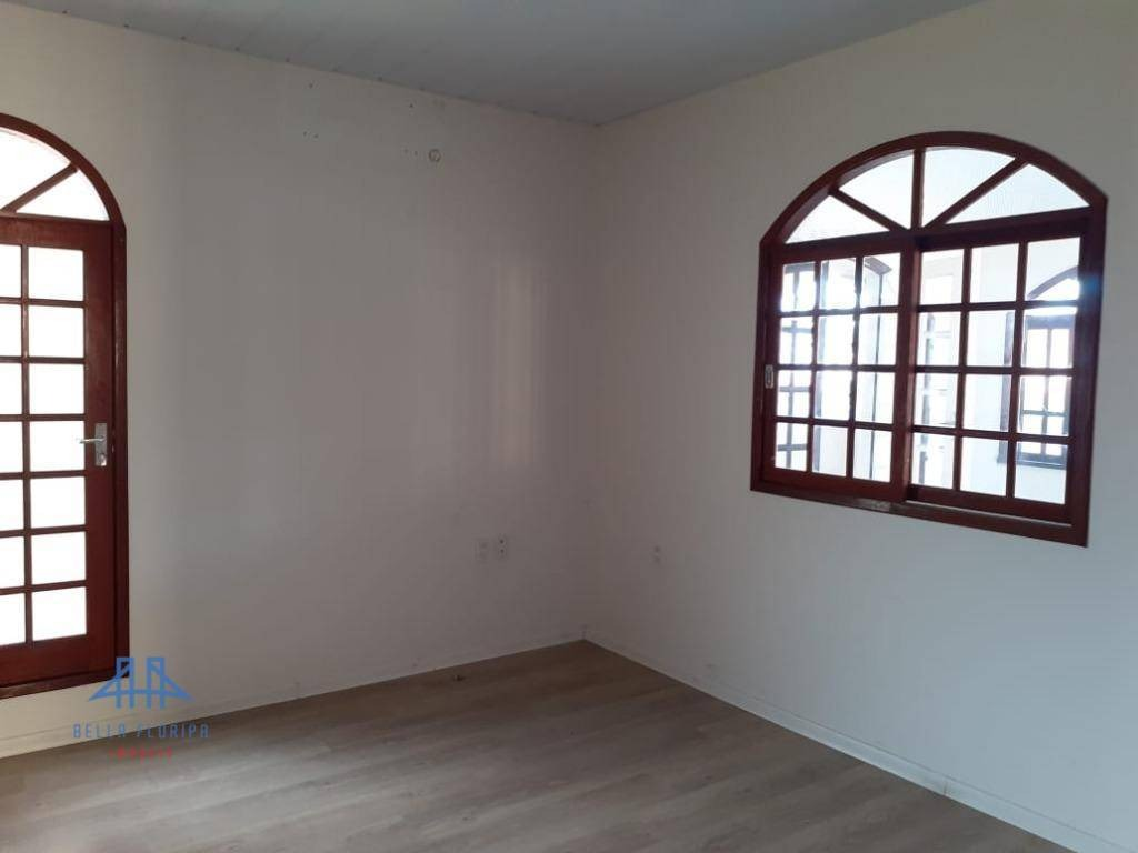 casa com 3 dormitórios para alugar, 248 m² por r$ 8.500,00/mês - santa mônica - florianópolis/sc - ca0739