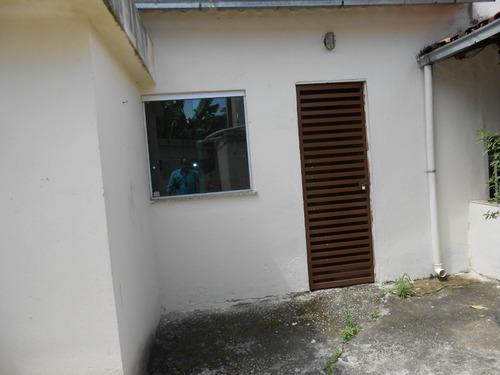 casa com 3 quartos , com 2 barracões , com 4 vagas de garagem - bhc1547
