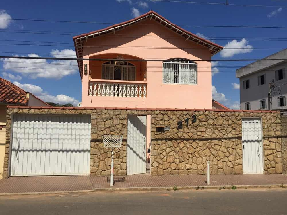 casa com 3 quartos - lambari mg