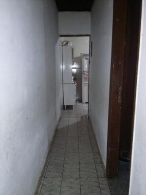 casa com 3 quartos na entrada do centro, aproveite!