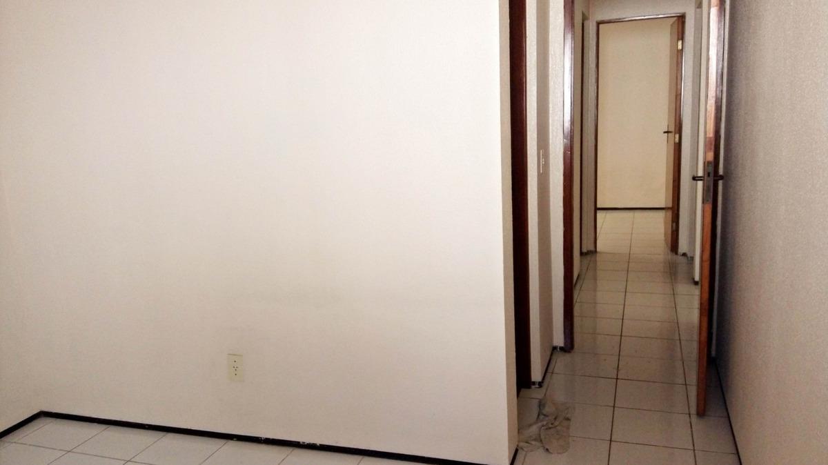casa com 3 quartos na maraponga - área de serviço, quintal