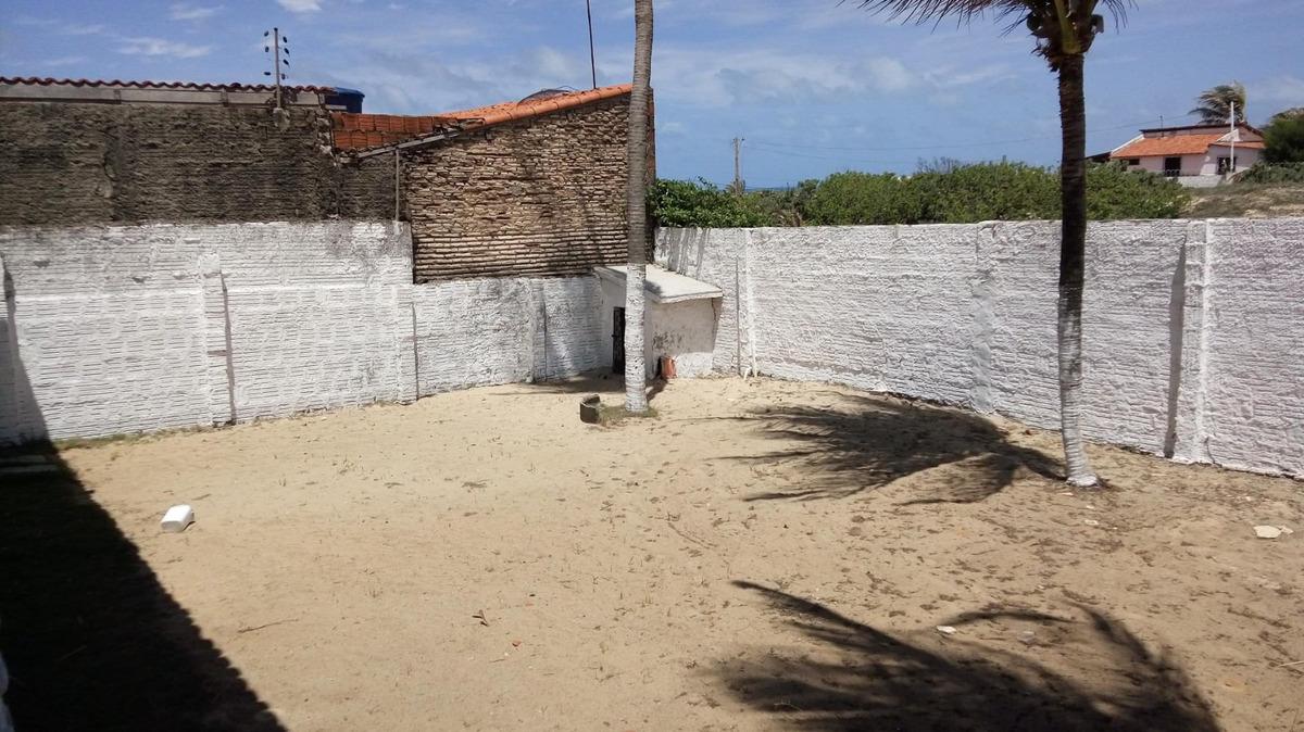 casa com 3 quartos na sabiaguaba, garagem, quintal