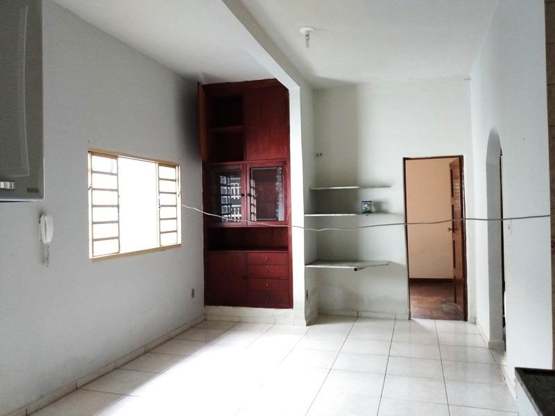 casa com 3 quartos para alugar no salgado filho em belo horizonte/mg - 1702