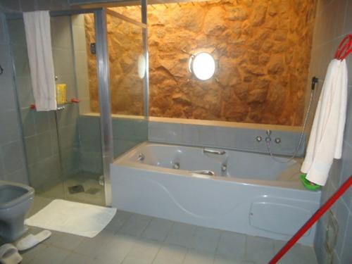 casa com 3 quartos para comprar no pocinho do rio verde em caldas/mg - 658