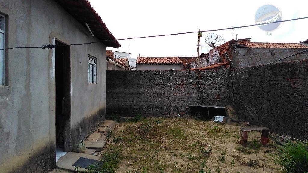 casa com 3 quartos sendo um suíte, em boa localização do jardim planalto - ca0038