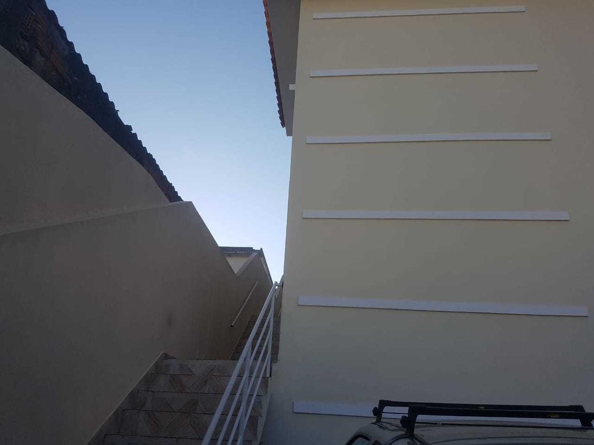 casa com 4 comodos 2 wc garagem