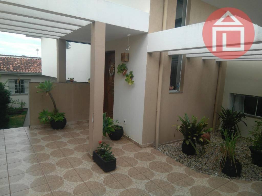 casa com 4 dormitórios à venda, 225 m² por r$ 650.000 - jardim europa - bragança paulista/sp - ca2427