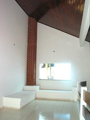 casa com 4 quartos e um super design moderno em itanhaém.