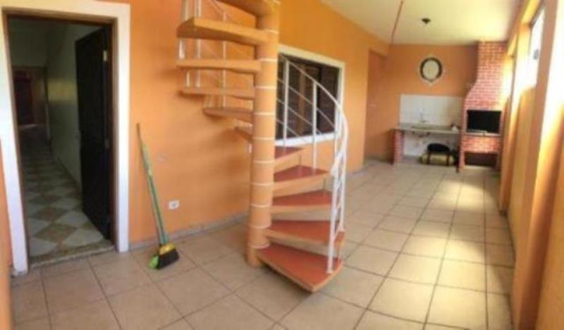 casa com 4 quartos no centro de peruíbe, lado praia! 5213/pg