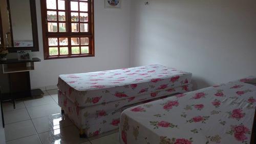 casa com 4 quartos sendo 3 suítes em condomínio