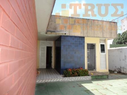 casa com 490 m² de terreno e 280 m² de área construída - ca0075