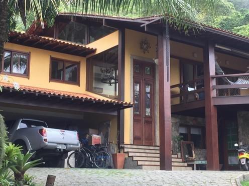 casa com 5 dormitórios à venda, 450 m² por r$ 4.500.000 - itacoatiara - niterói/rj - ca0827