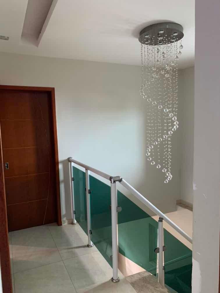 casa com 5 quarto de alto padrão belíssima, piscina churras