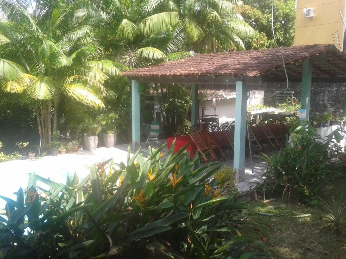 casa com 5 suítes, terreno 40x40, no parque das laranjeiras