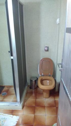 casa com 7 comodos  2 banheiro
