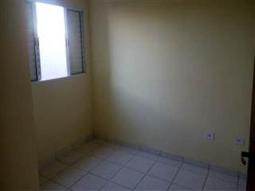 casa com documentos ok, 2 quartos, lado praia, parcela!