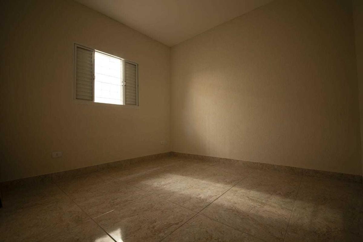casa com dois dormitórios fl36