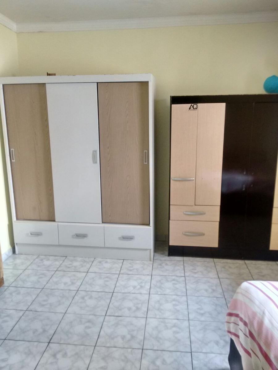 casa com dois quartos dois banheiros duas garagens