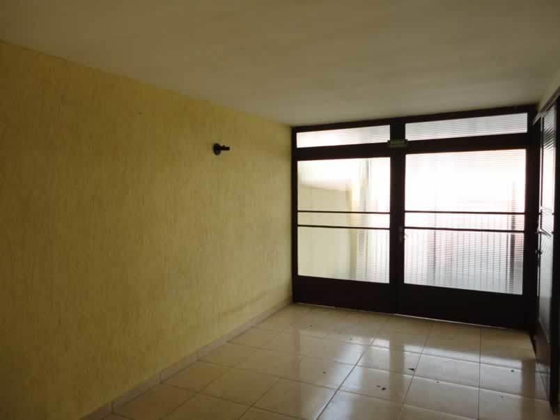 casa com. entre av. brasil torre castelo r$ 3500,00 cas00168