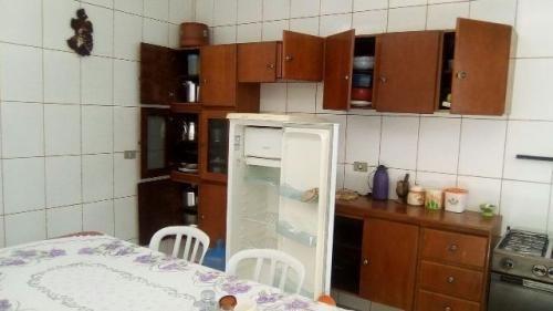 casa com escritura na praia, 2 quartos, edícula, 330m²!