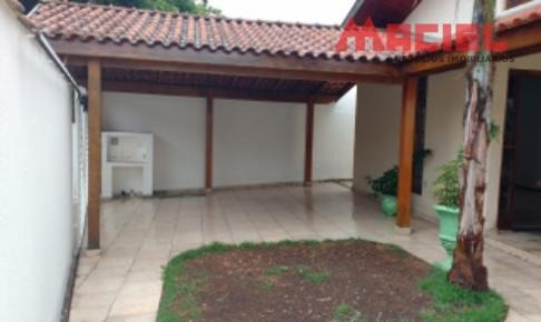 casa com fino acabamento de 3 dormitórios a venda