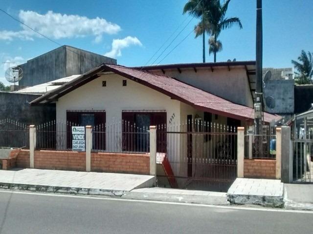 casa com frente para avenida principal - penha/sc - 435f