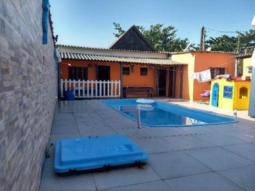 casa com piscina, 2 quartos, 03 wc, ótimo valor!