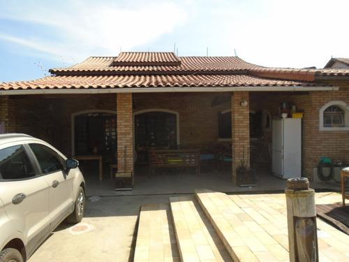 casa com piscina 3 dormitórios