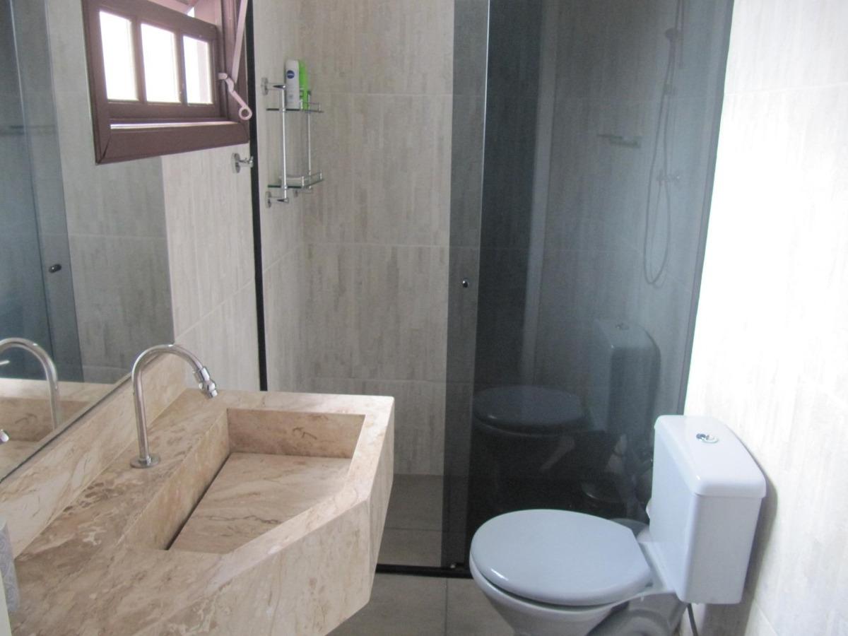 casa com piscina 3 dormitórios em itanhaém
