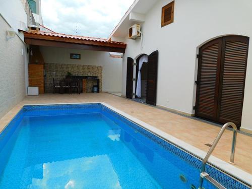casa com piscina a 100 metros da praia a venda em peruíbe