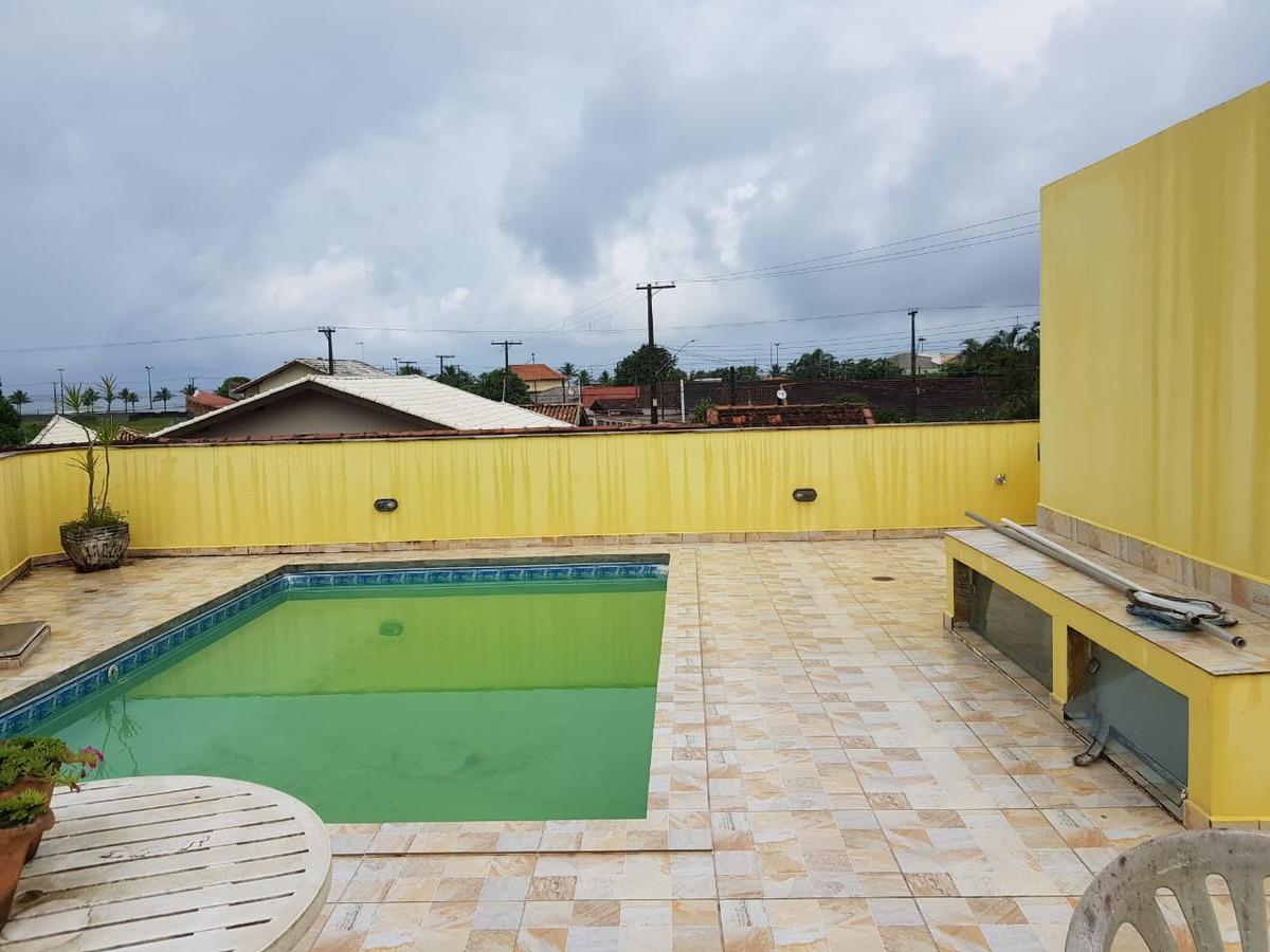 casa com piscina a 50 metros da praia na praia grande