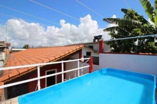 casa com piscina, com 3 quartos, lado praia boa localização!