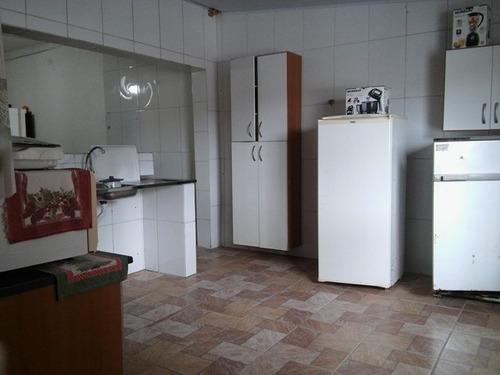 casa com piscina e 4 quartos na praia de itanhaém.