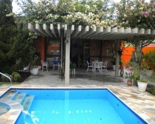 casa com piscina e churrasqueira - aceita oferta à vista!