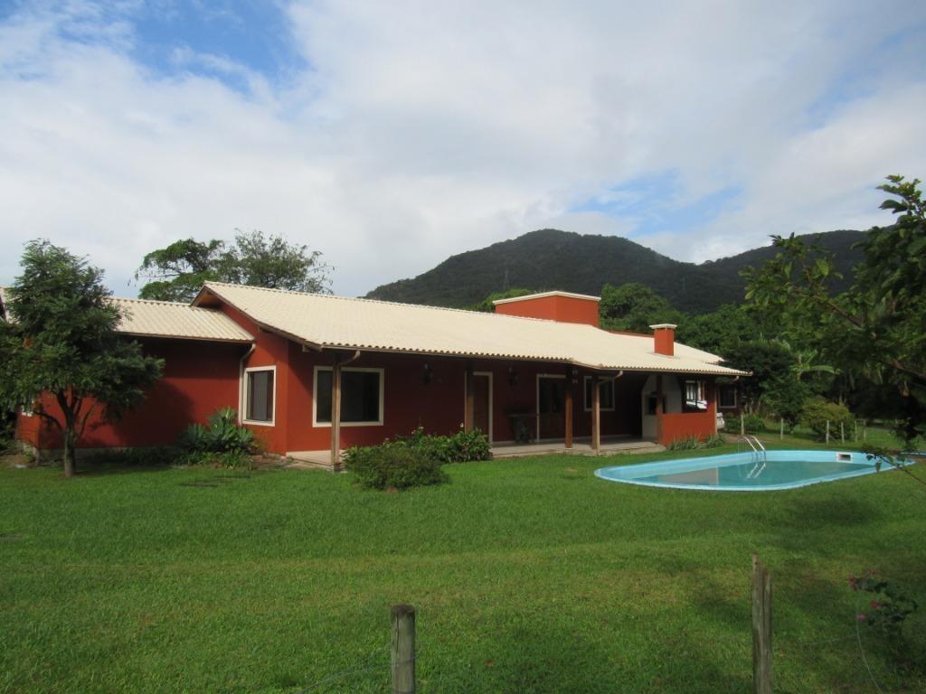 casa com piscina e quintal no ribeirão da ilha - ca2151