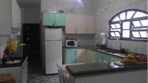 casa com piscina em mongaguá-sp. litoral sul