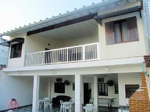 casa com piscina em praia grande - solemar (aceito troca)